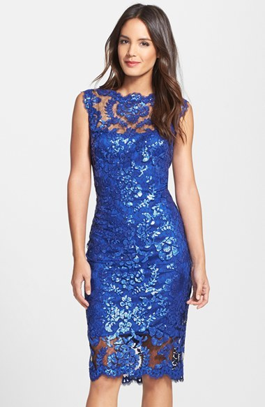 Платье из кружева синее