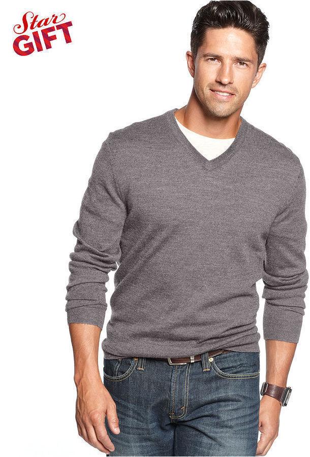 С чем носить пуловер с v образным вырезом
