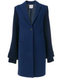 Abrigo azul marino de Mira Mikati