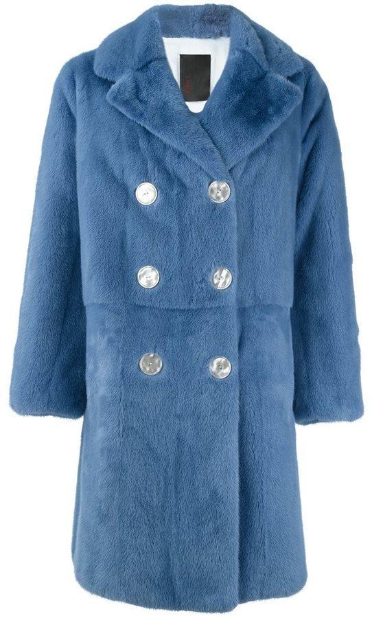 Donde compran abrigos de piel