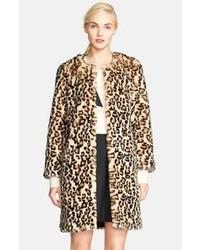Abrigo de piel de leopardo en beige de Kate Spade