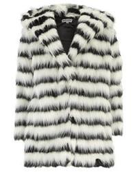 Abrigo de piel de rayas horizontales en blanco y negro
