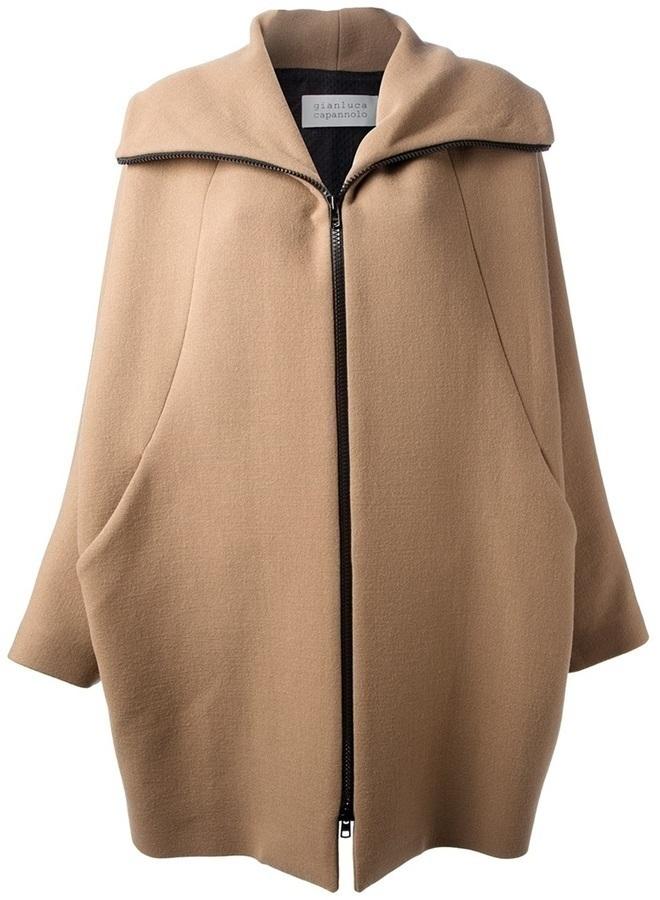 Abrigo marrón claro de Gianluca Capannolo