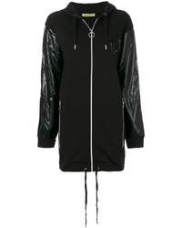Abrigo negro de Versace