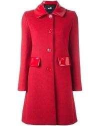 Abrigo rojo de Love Moschino