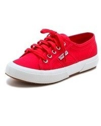 Baskets basses en toile rouges Superga