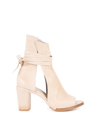Cut out boots medium 8192395