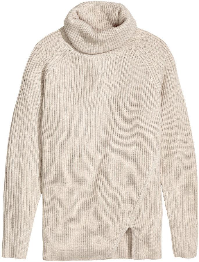 46e18e8e3c4 $34, H&M Wool Blend Turtleneck Sweater Beige