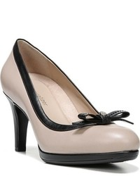 Maizie pump medium 749848
