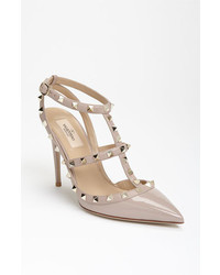 Garavani rockstud t strap pump medium 3645995