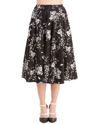 Hessar trading co ltd benefit of the flounce skirt in black floral medium 251846
