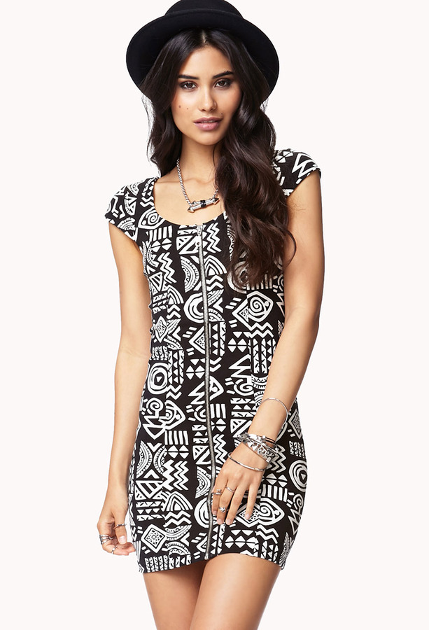 Black and white printed bodycon dress