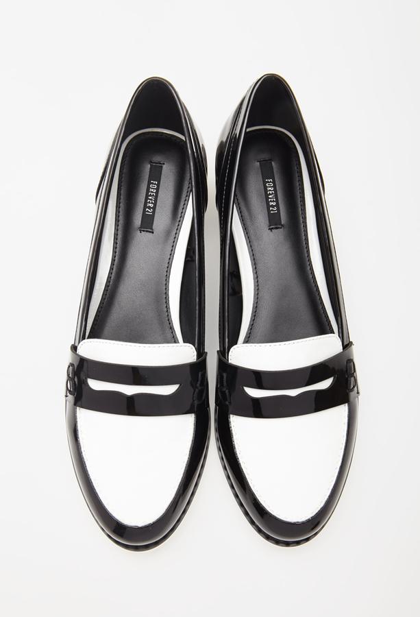 Forever 21 Faux Patent Leather Loafers Vente Nouvelle Marque Unisexe Bon Service Coût Frais De Port Offerts Vente Pré Commande En Ligne GT88CW