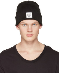 Black logo beanie medium 1044377