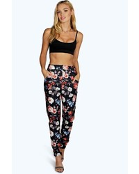 ac9560a3bd5d Women's Black Skinny Pants by Boohoo | Women's Fashion | Lookastic.com
