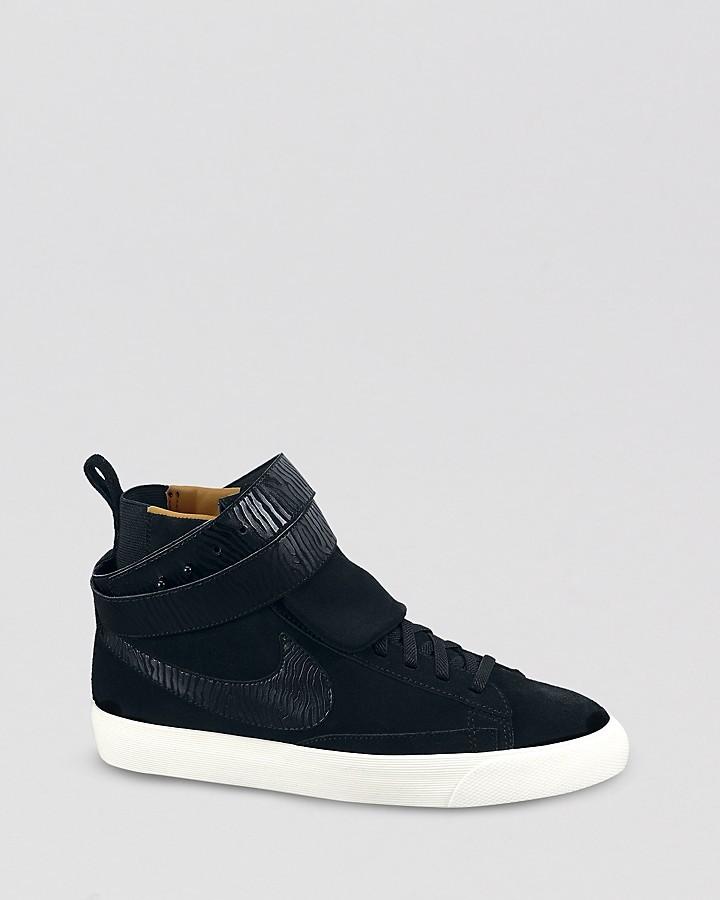 Nike Chaussures De Sport Haut Noir Jupe Haute Suède Torsion Blazer