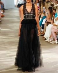 Monique Lhuillier Sleeveless V Neck Tulle Peplum Gown Noir