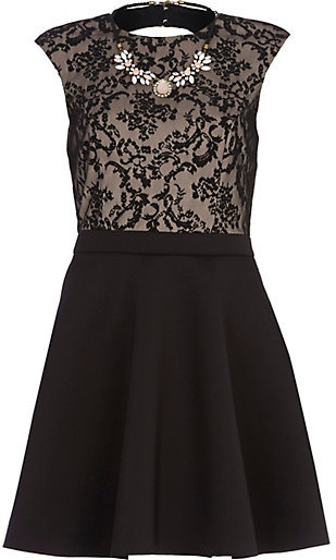 Necklace wear black lace dress