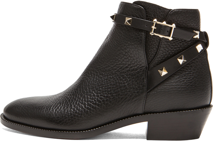 8e6248614964 ... Valentino Rockstud Leather Ankle Boots T35 ...