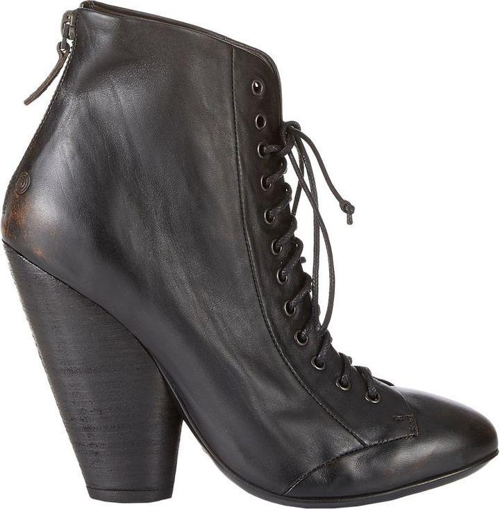 $1,085, Marsèll Back Zip Ankle Boots Black