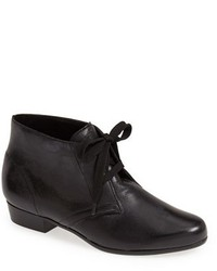Munro American Munro Sloane Lace Up Bootie