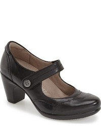 Naturalizer Venue Mary Jane Pump