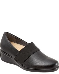 Trotters Marley Slip On Wedge Pump
