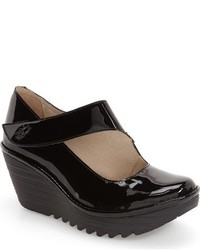 Fly London Yasi Wedge Pump