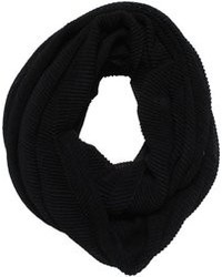 D&Y Solid Pleated Scarf