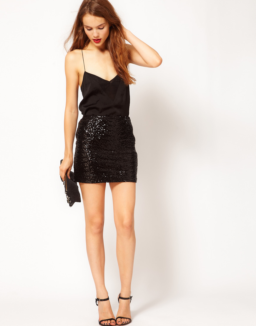 what to wear with a sequin mini skirt | Gommap Blog