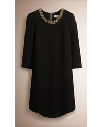 Burberry Chain Detail Satin Back Crepe Shift Dress