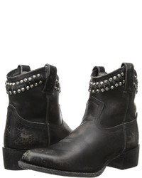 Frye Diana Cut Stud Short
