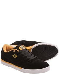 DC Shoes Cole Lite Suede Sneakers