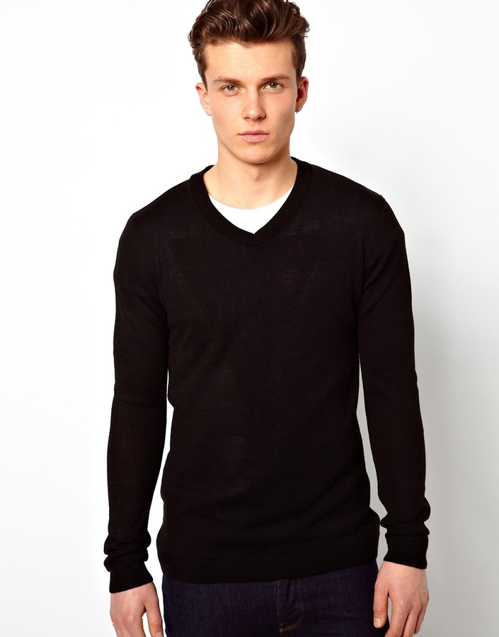 what to wear with v neck sweater