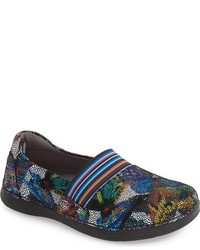 Glee slip on sneaker medium 731564