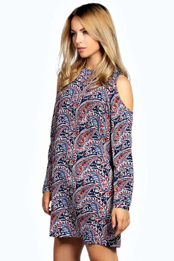 Boohoo Izzy Woven Paisley Shift Dress | Where to buy & how to wear