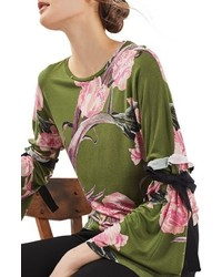 Blusa con print de flores verde oliva de Topshop