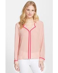 Blusa de manga larga rosada de Vince Camuto