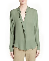 Blusa de seda verde oliva de Vince