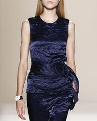 Blusa sin mangas de terciopelo azul marino de Victoria Beckham