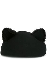 Boina negra de Eugenia Kim