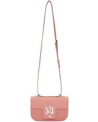 Bolso bandolera de cuero rosado de Alexander McQueen