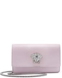 Bolso bandolera de cuero violeta claro de Versace