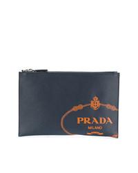 Bolso con cremallera de cuero azul marino de Prada