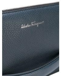 Bolso con cremallera de cuero azul marino de Salvatore Ferragamo