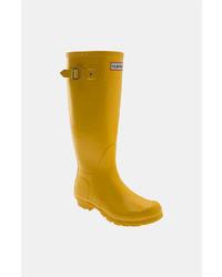 Botas de lluvia amarillas