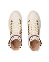 4502eaded9a90 ... Botines con cordones de cuero blancos de Gucci
