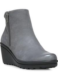 f9cb18c82 Comprar unos botines con cuña de cuero grises  elegir botines con ...