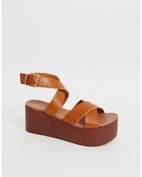 New Look Wooden Effect Flatform Sandal In Tan