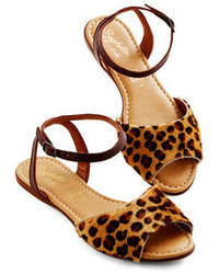 Del Rio London Leopard Sandals Where To Buy Amp How To Wear